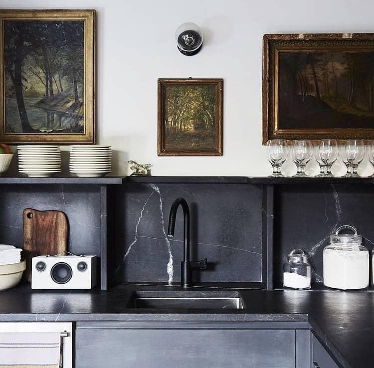 استفاده از قاب در تزیین آشپزخانه